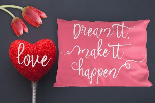 Download Beauty Heart Script font (typeface)